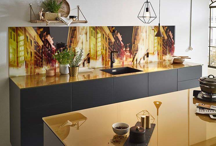Glasarbeitsplatte küche
